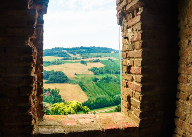 Dozza, Italien am 21. Juli 2018: eine Ansicht über die Hügel stockbild