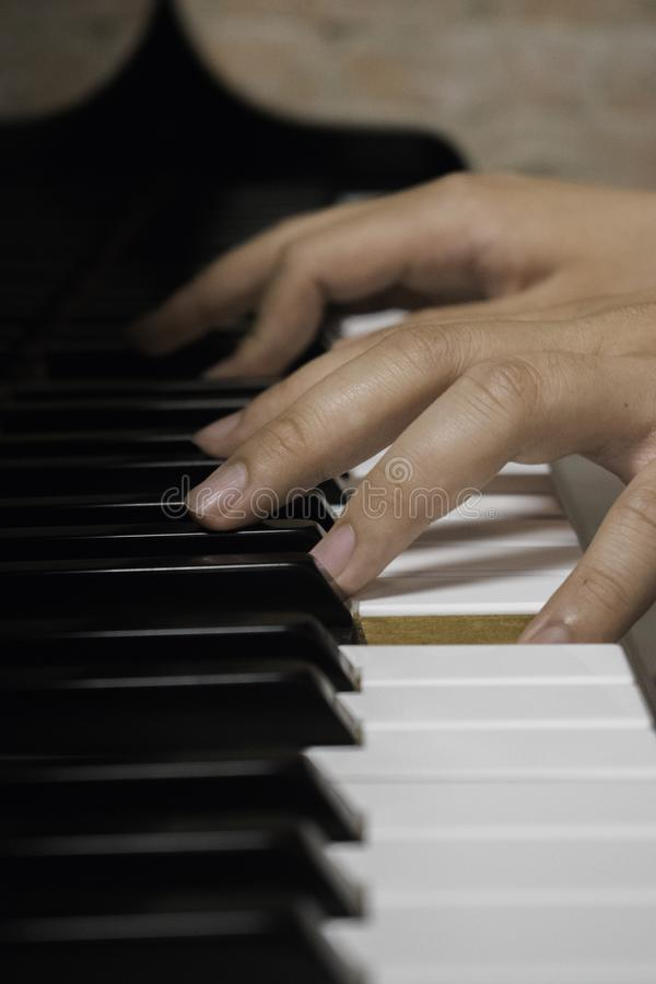 Dröm av en pianist royaltyfri fotografi