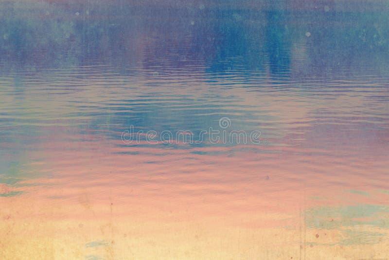 Drömlik mörk, djupblå och rosa skybakgrund royaltyfri bild