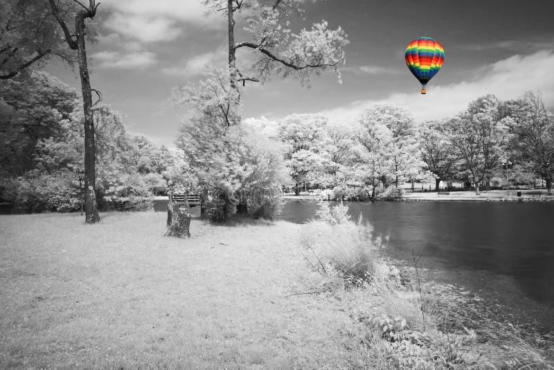 drömlikt infrarött landskap arkivbild