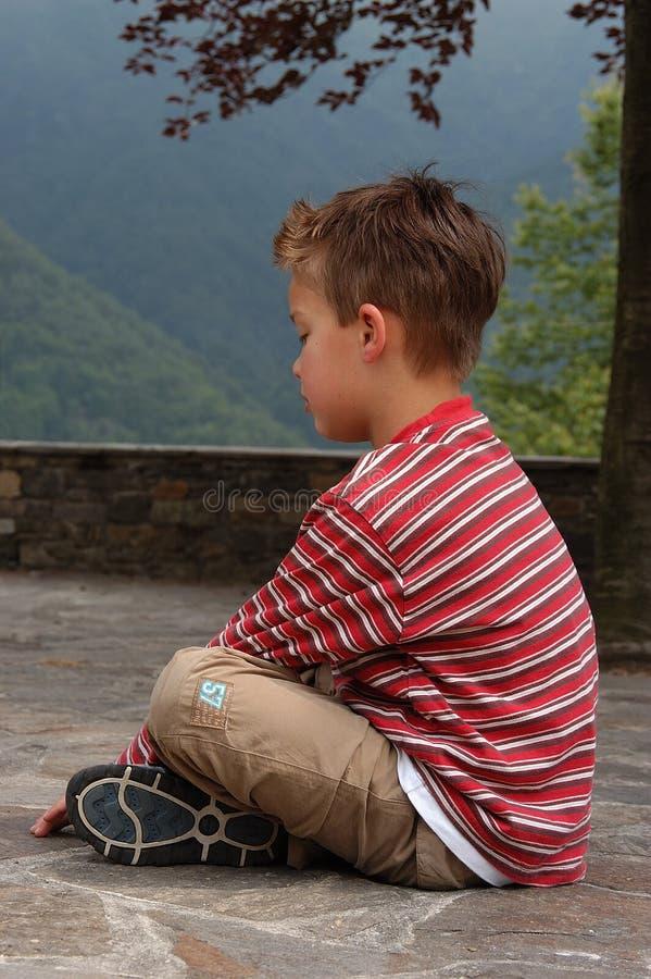 Download Drömma för pojke fotografering för bildbyråer. Bild av familj - 239811