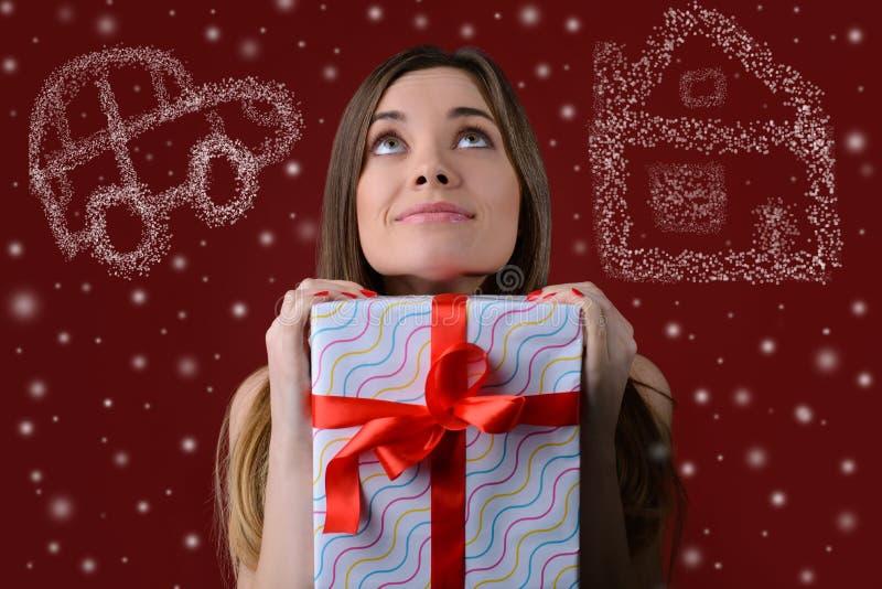 Drömmar kommer riktigt på jul Begrepp av det väntande på miraklet på arkivbilder