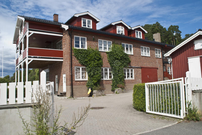 Drøbak (feine Wohnungen am Pier) lizenzfreie stockbilder