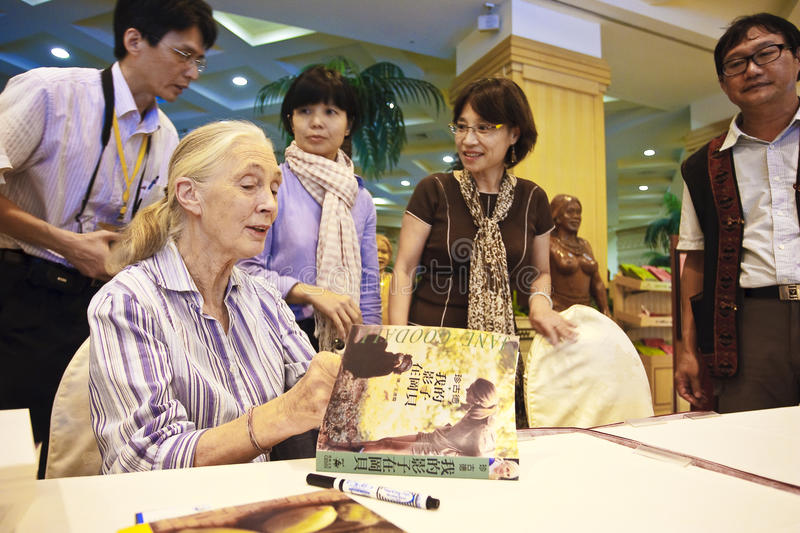 Dr. Jane Goodall signed for readers 2. Taiwan Republic of China in 2010 during the visit, family friendly and tooth root sign in the book, Dr. Jane Goodall stock image