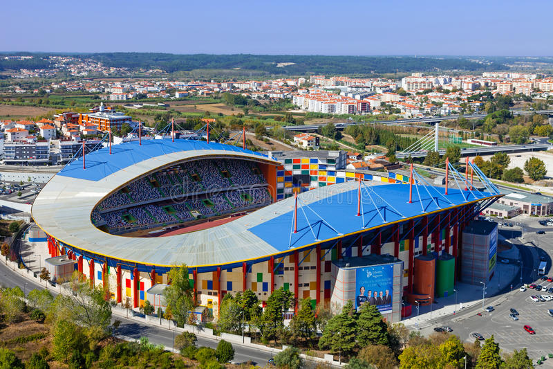 Dr. Stadion Magalhães Pessoa, alias städtisches Fußball-Stadion Leirias lizenzfreie stockfotografie