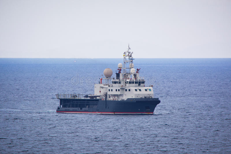 Dra fartyget royaltyfria foton