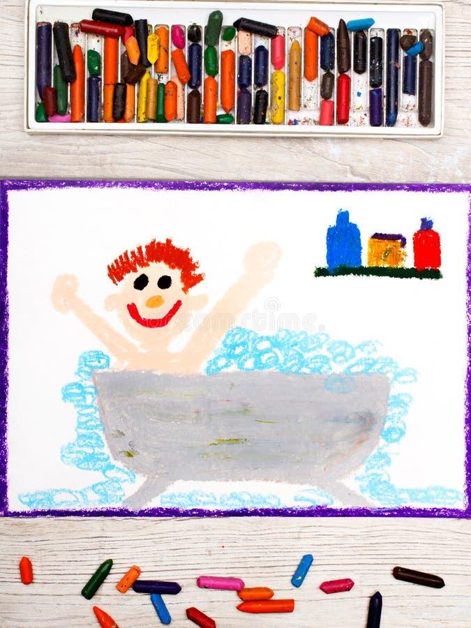 dra: pojke i badkaret royaltyfri fotografi