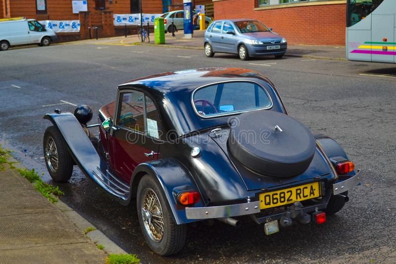 Dra tillbaka av Marlin Berlinetta parkerade på en väg i Glasgow, Skottland fotografering för bildbyråer