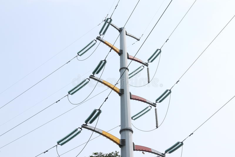 Draad met hoog voltage stock afbeelding