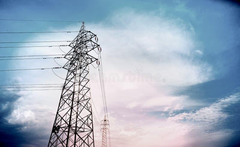 Draad met hoog voltage stock foto