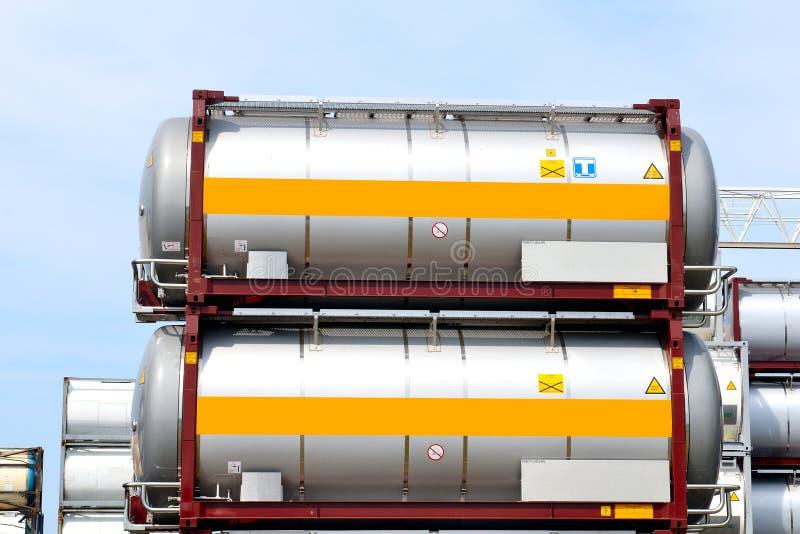 Draagbare olie en chemische opslagtanks royalty-vrije stock afbeeldingen