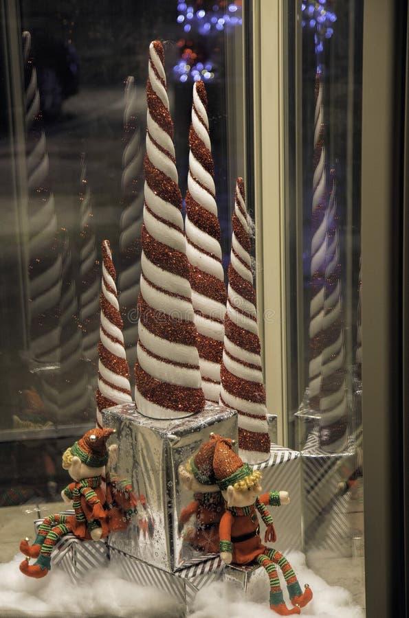 Draaiende Kerstmiself met Suikergoedriet stock afbeeldingen
