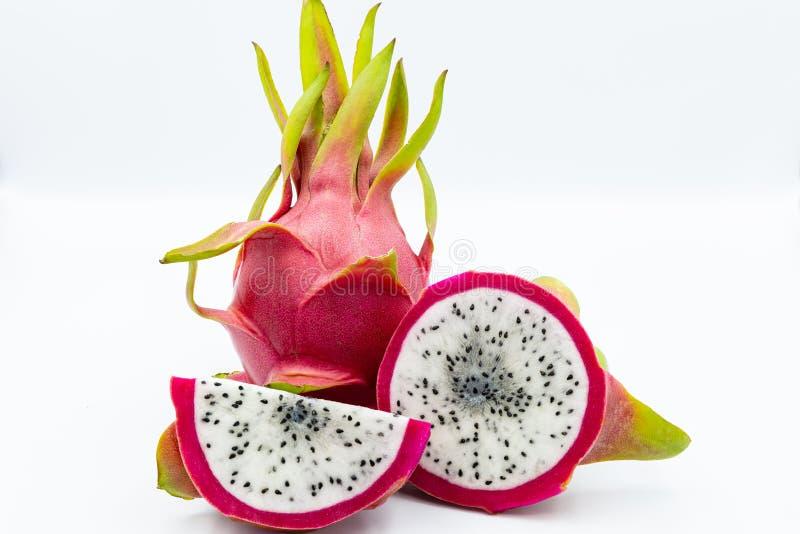 draak fruit op een witte achtergrond stock afbeelding