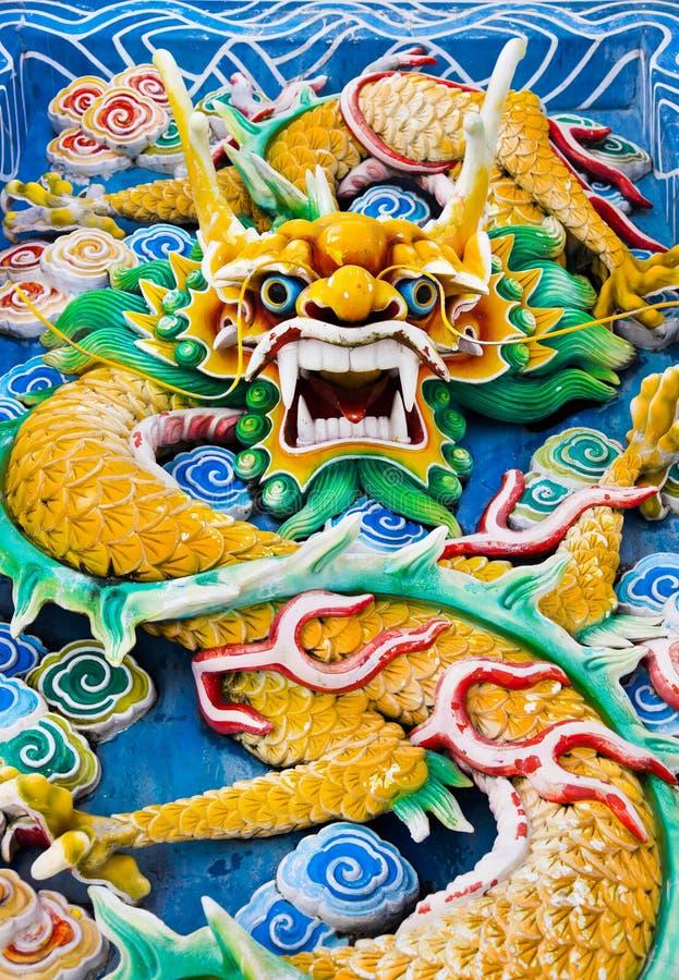 Draak in Tempel in Kuala Lumpur (Maleisië) stock afbeeldingen