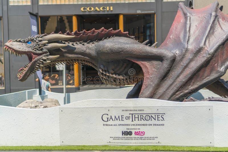 Draakreplica van Spel van Tronen tijdens roadshow in Kuala Lumpur, Maleisië Het spel van Tronen is een Amerikaans fantasiedrama royalty-vrije stock afbeelding