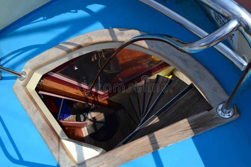 Drabina na statku prowadzi od kabiny pokład fotografia stock