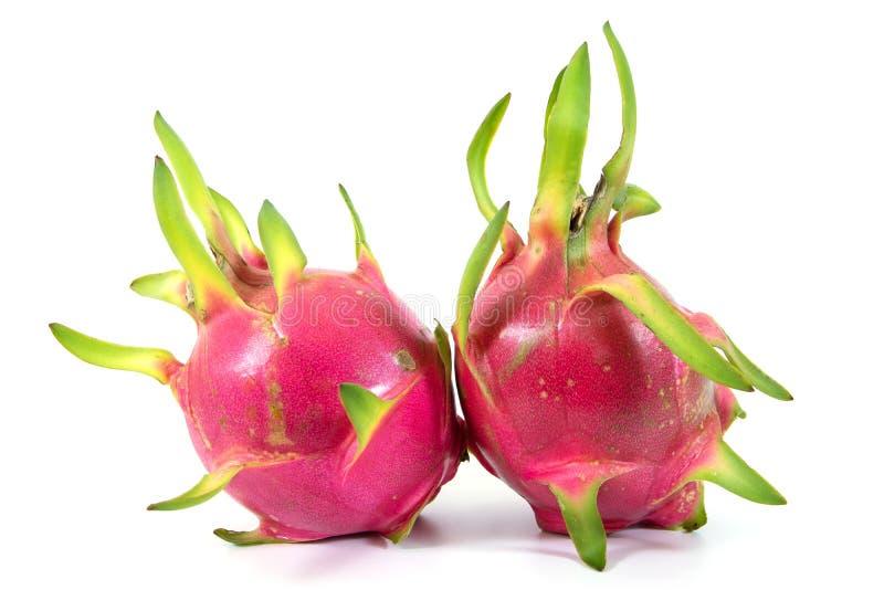 Drachefrucht getrennt auf wei?em Hintergrund Frische Frucht des Drachen zwei lokalisiert lizenzfreie stockfotografie