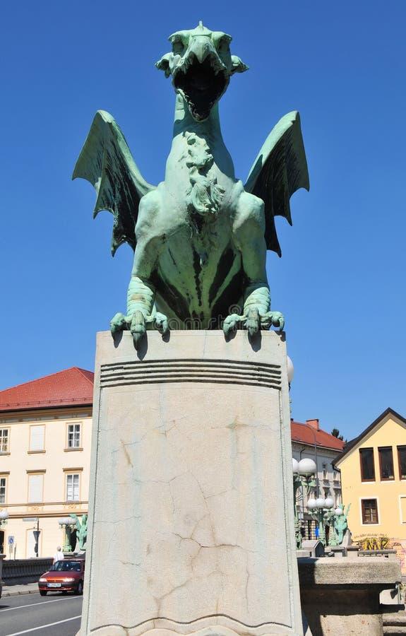 Drachestatue auf der Brücke des Drachen, Ljubljana, Slowenien stockfotografie