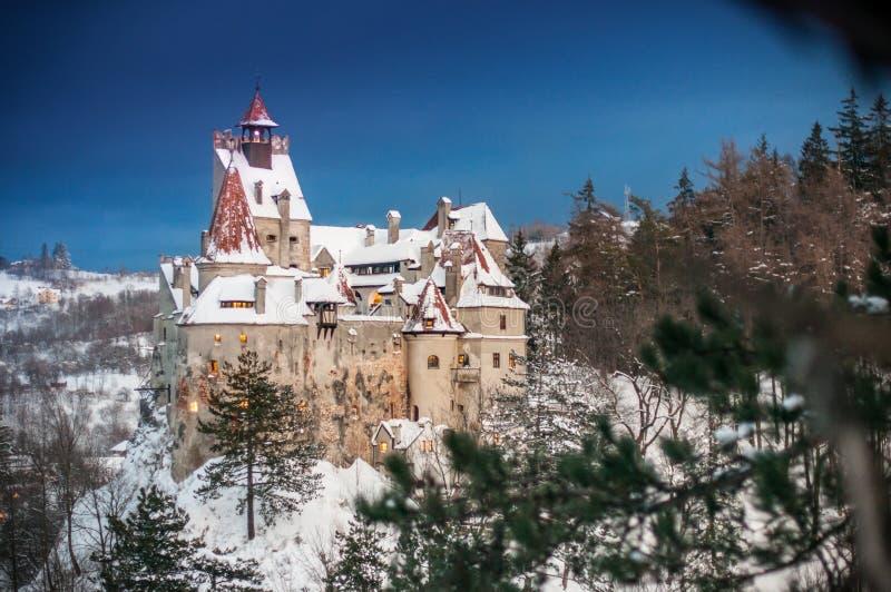Dracula ` s kasztel w zimie fotografia stock