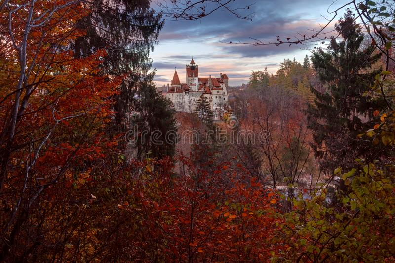 Draculakasteel in Zemelen, Roemeni? royalty-vrije stock fotografie