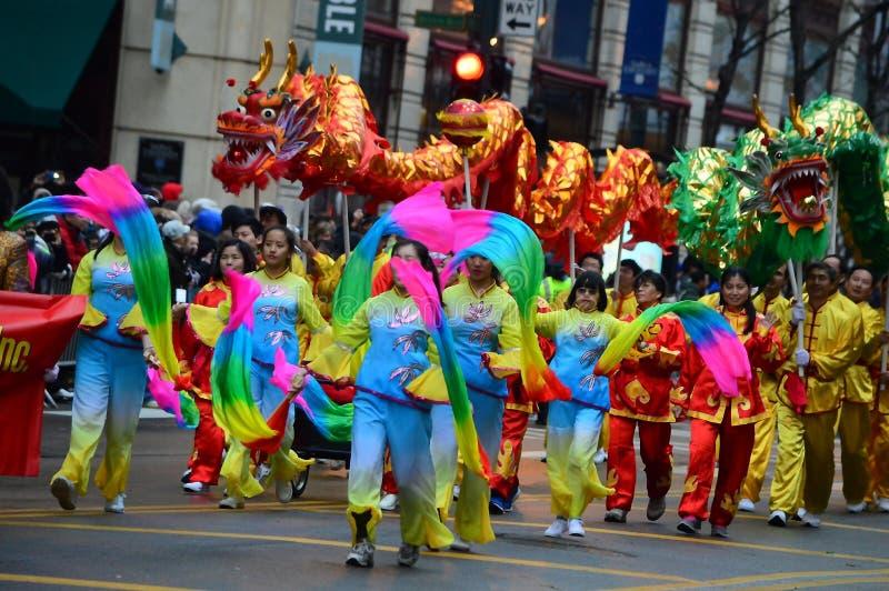 Dragão chinês - parada Chicago da ação de graças imagens de stock royalty free