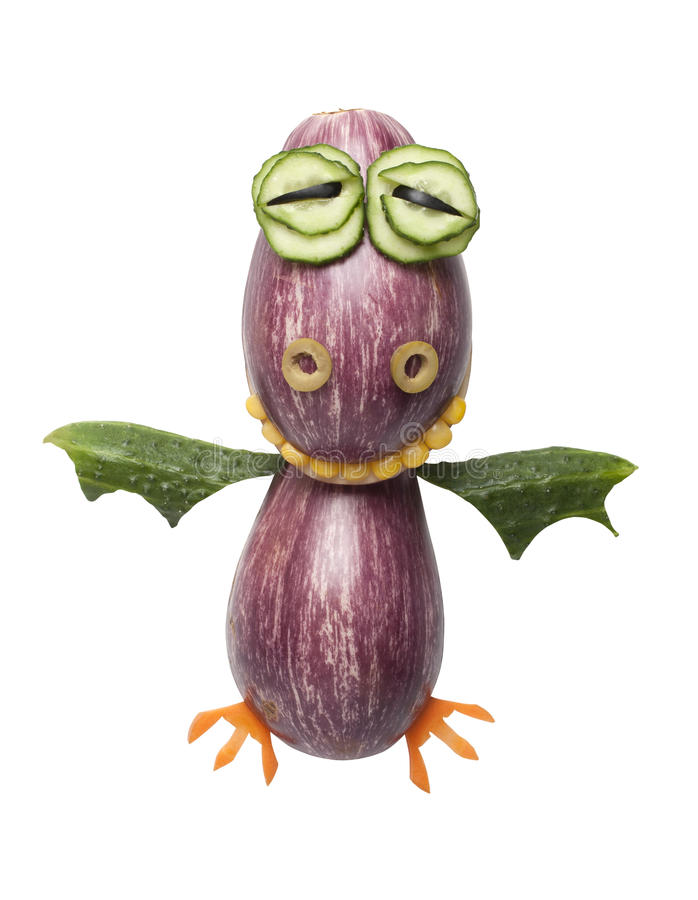 Dragón divertido hecho de verduras imagen de archivo libre de regalías