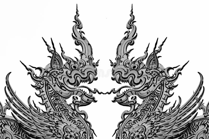 Dragón en arte tailandés tradicional del moldeado del estilo imágenes de archivo libres de regalías