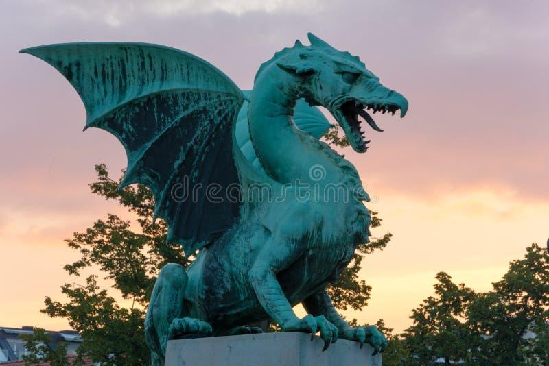 Dragón en el puente del dragón en Ljubljana foto de archivo libre de regalías