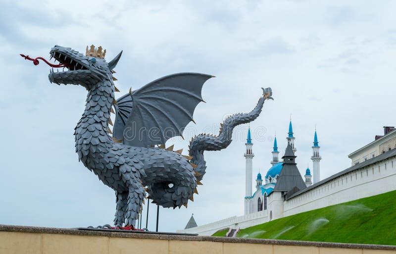 Dragón y Kul Sharif en Kazán Rusia foto de archivo libre de regalías
