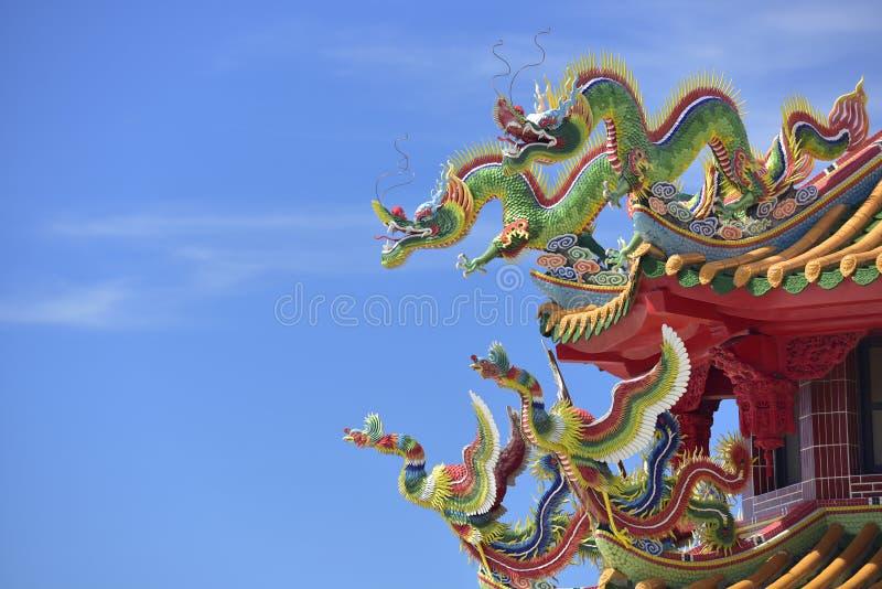 Dragón y Phoenix coloridos fotografía de archivo