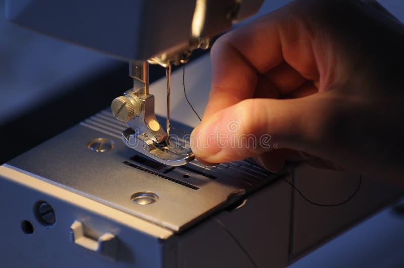 dragning för maskinseamstresssömnad royaltyfria foton