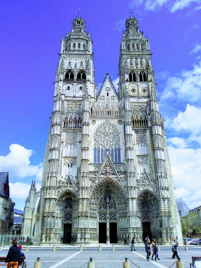 Dragningar i Frankrike, staden av Tours, turnerar domkyrkan arkivbild
