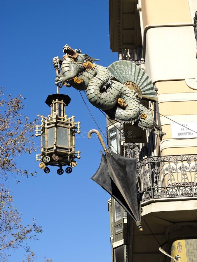 Drago cinese nel Ramblas, Barcellona fotografie stock