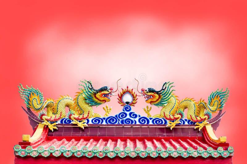 Drago sul tempio cinese fotografie stock libere da diritti