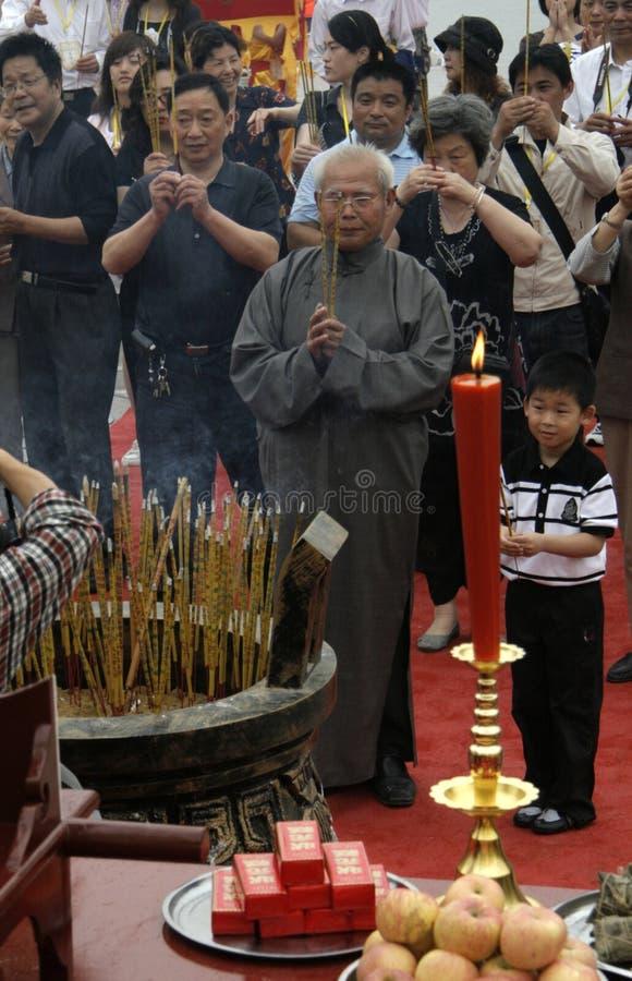 Dragon boat Festival:sacrifice the dragon