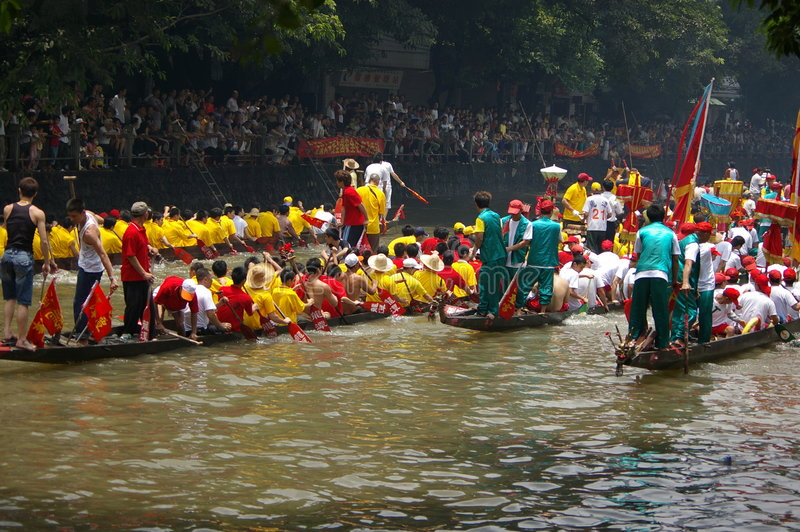 Download Dragon boat in Guangzhou editorial stock photo. Image of competition - 5423228