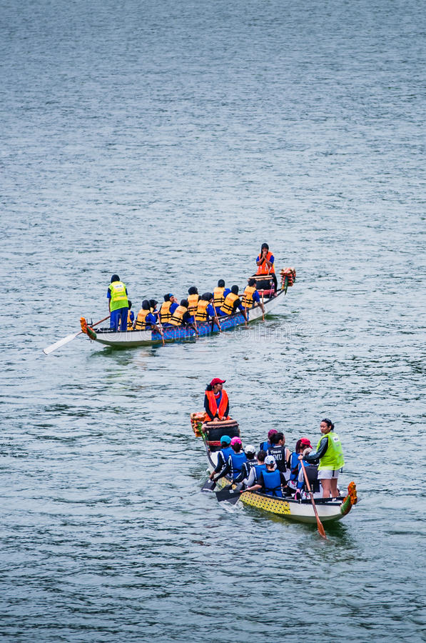 Download Dragon Boat Race editorial stock photo. Image of water - 31581458