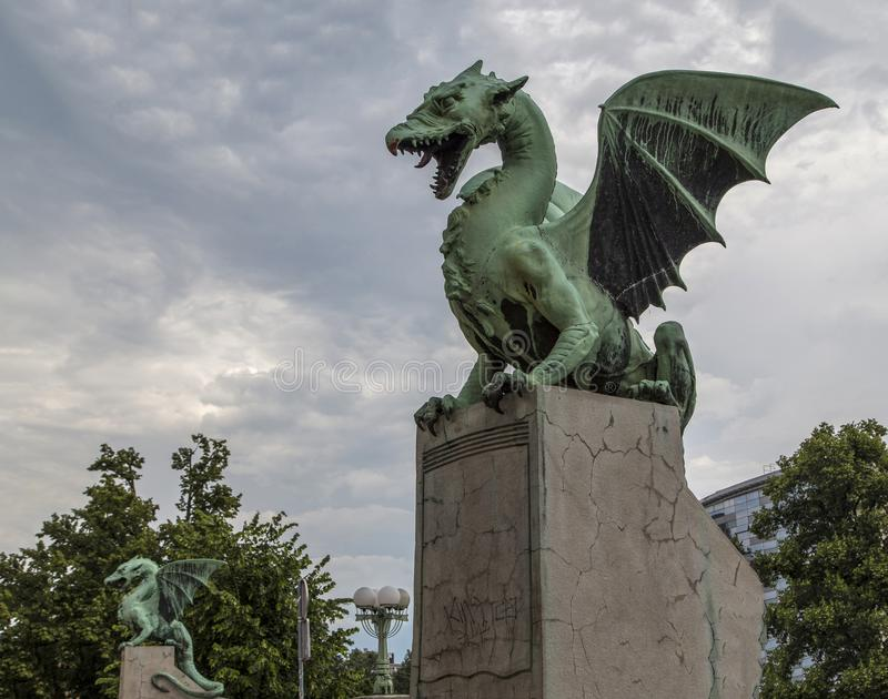 Dragon Bridge em Ljubljana, Eslovênia fotografia de stock