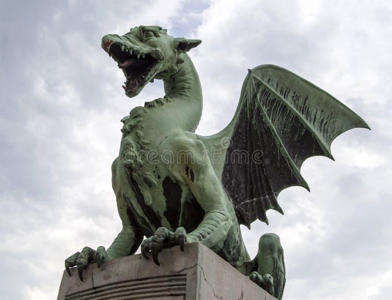 Dragon Bridge em Ljubljana, Eslovênia foto de stock royalty free