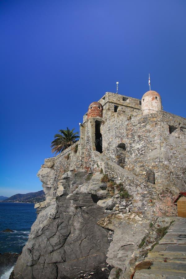Dragon Castle in Camogli lizenzfreie stockbilder
