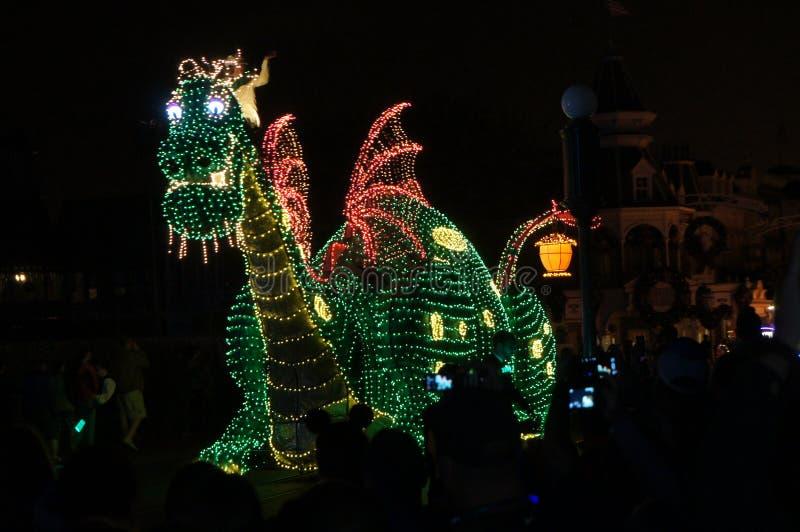 Dragon de défilé au monde de Disney photographie stock libre de droits