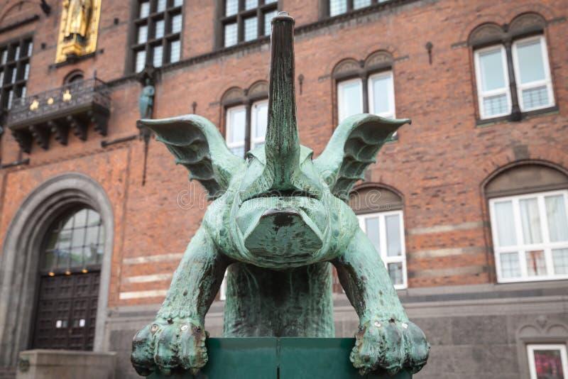 Dragon Fountain, Copenhaga, Dinamarca fotos de stock