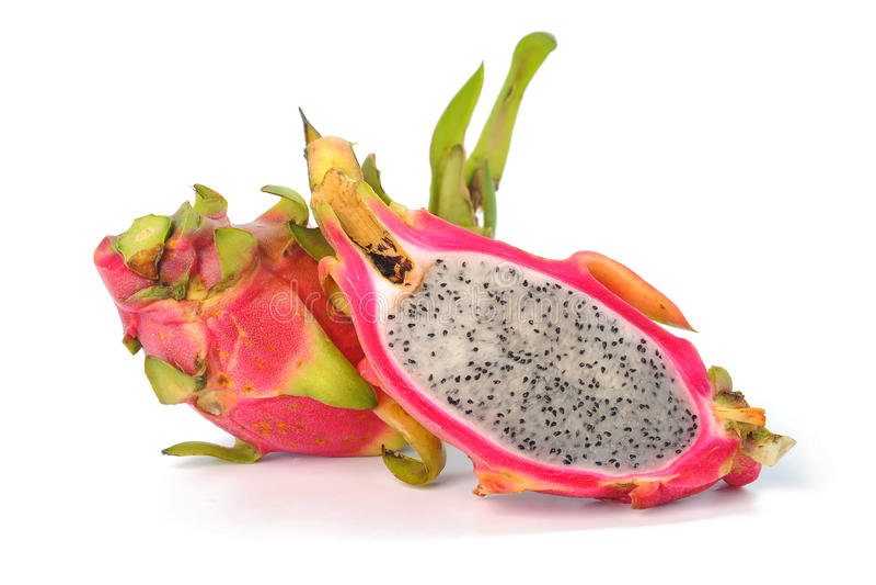 Dragon Fruit tegen witte achtergrond wordt geïsoleerd die stock foto