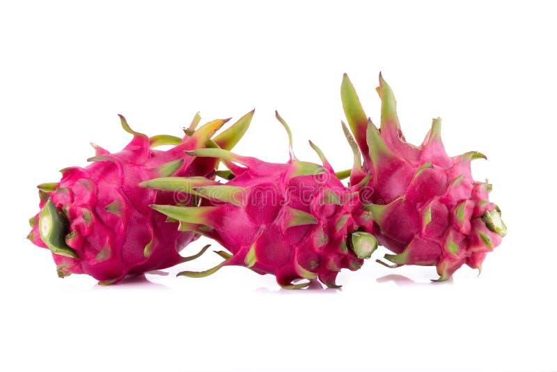 Dragon Fruit vívido e vibrante isolado no fundo branco fotos de stock royalty free