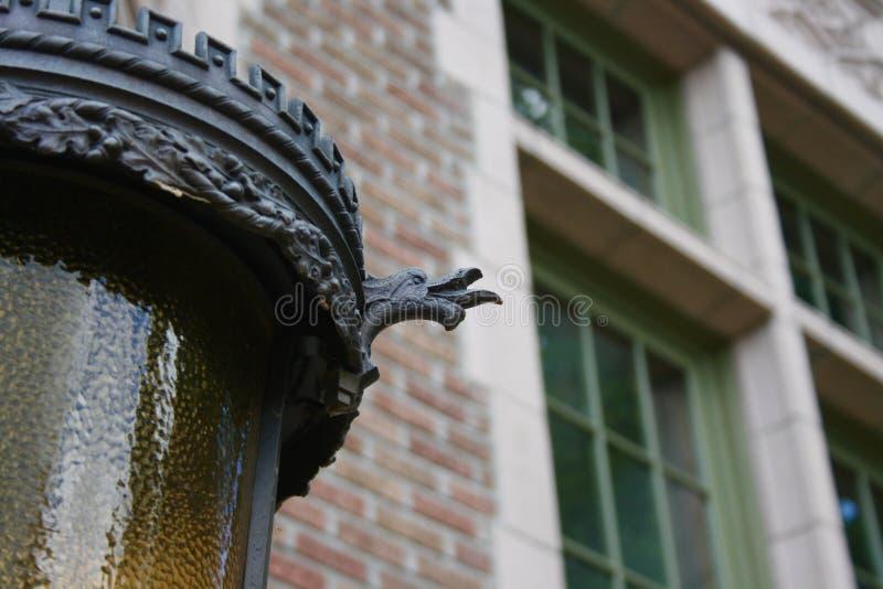 Dragon Lamp Post decorato immagini stock libere da diritti