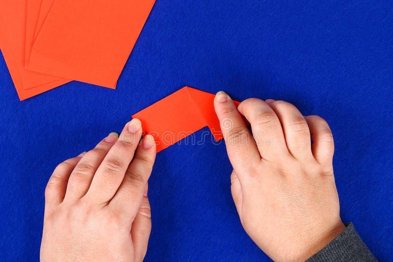 Dragon lunaire chinois de Diy d'origami modulaire images stock