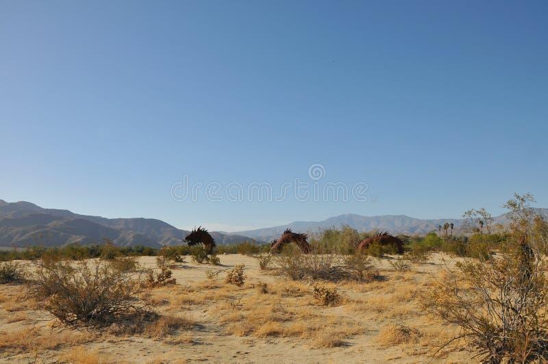 Dragon Metal Sculpture bij de Woestijn Californië van Anza Borrego stock afbeeldingen