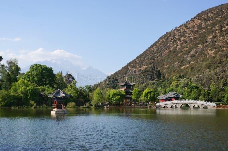 Dragon Pool preto em Lijiang imagem de stock royalty free