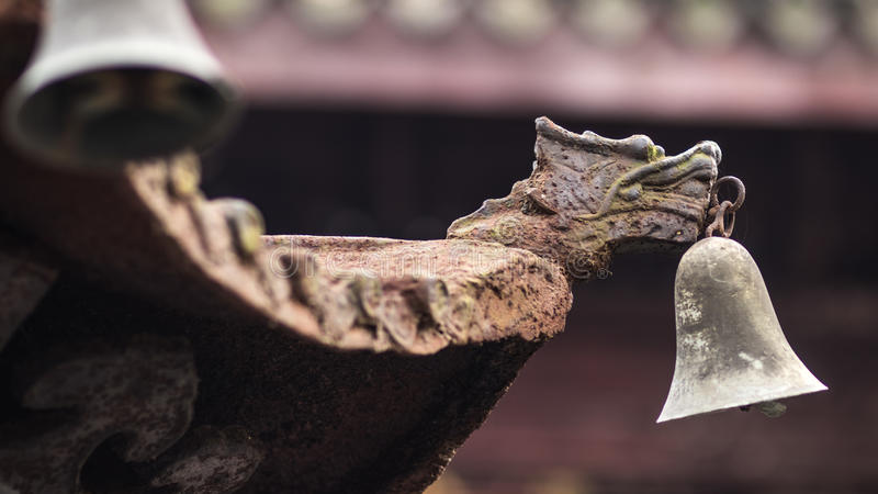 Dragon rouillé de vieux vintage dans le temple photographie stock libre de droits