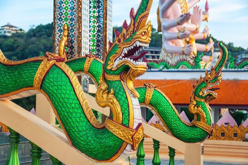 Dragon Sculptures Wat Plai Laem Temple famoso em Ko Samui foto de stock royalty free